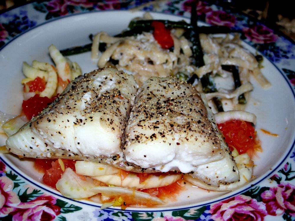 pix-2008-halibut-steaks-with-grapefruit-and-fennel-salad