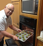 Larry Puts Stuffed Portobello Mushrooms in Oven2_sml