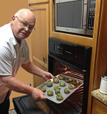 Larry Puts Stuffed Portobello Mushrooms in Oven2_sml.png